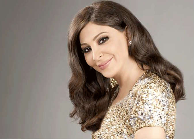 Lebanese singer Elissa reveals fight with breast cancer in