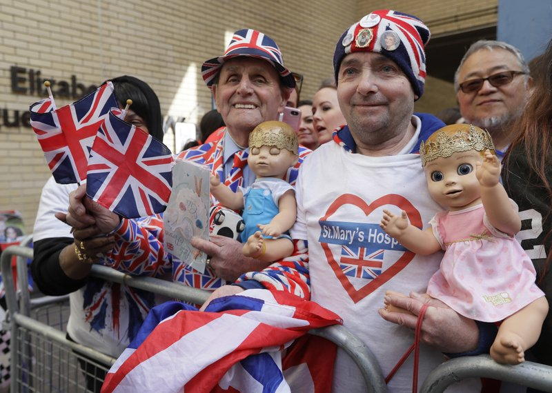 Royal baby: Duchess of Cambridge gives birth to baby boy