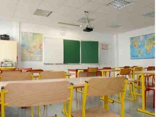 Court sentences teacher to 10 years in prison for having sex