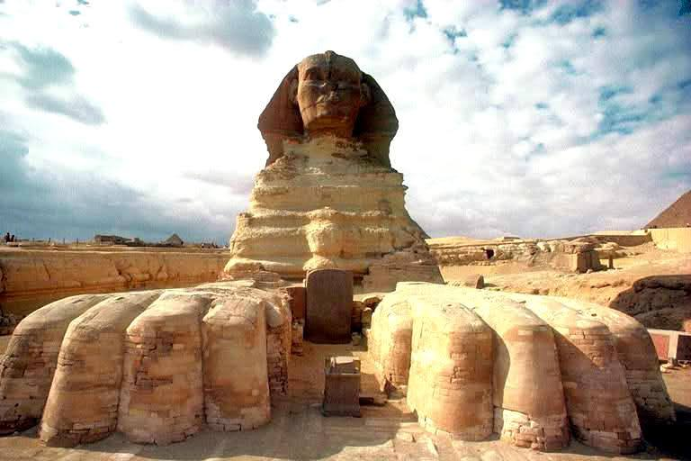 Dream Stele lies between the hands of the Sphinx at Giza