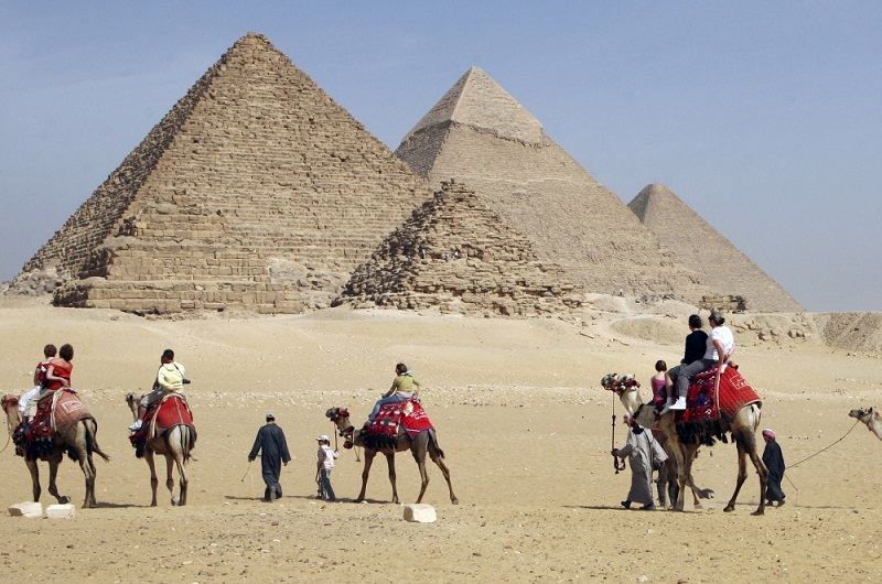 Elon Musk Invited to Egypt to Prove Pyramids Weren't Built By Aliens