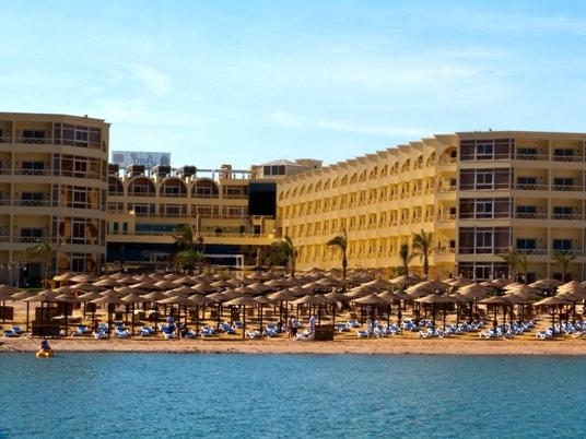 Fifty Five Egyptian Holiday Makers Suffer Food Poisoning At Hurghada Resort Egypt Independent