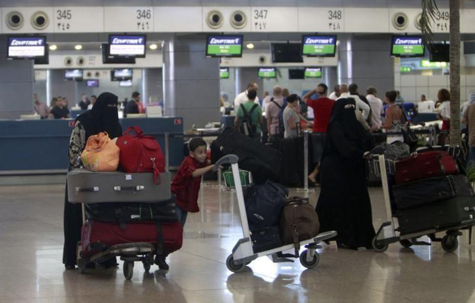 Egypt to build logistics village at Cairo Airport