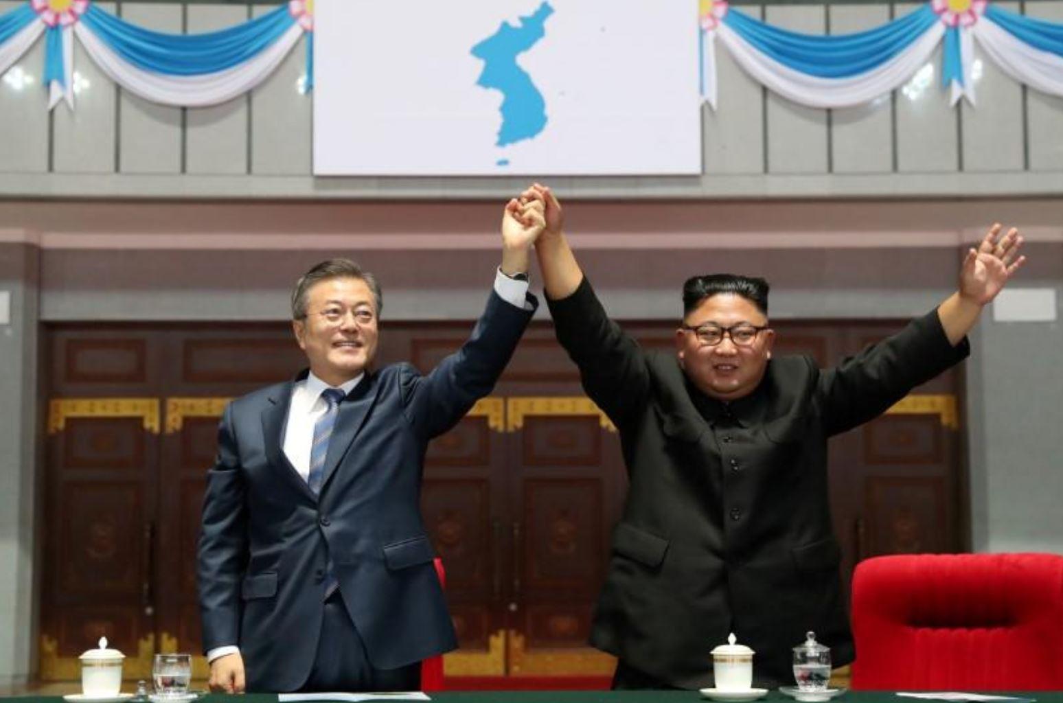 Hasil gambar untuk North and South Korea agree to scrap 22 guard posts at border next month