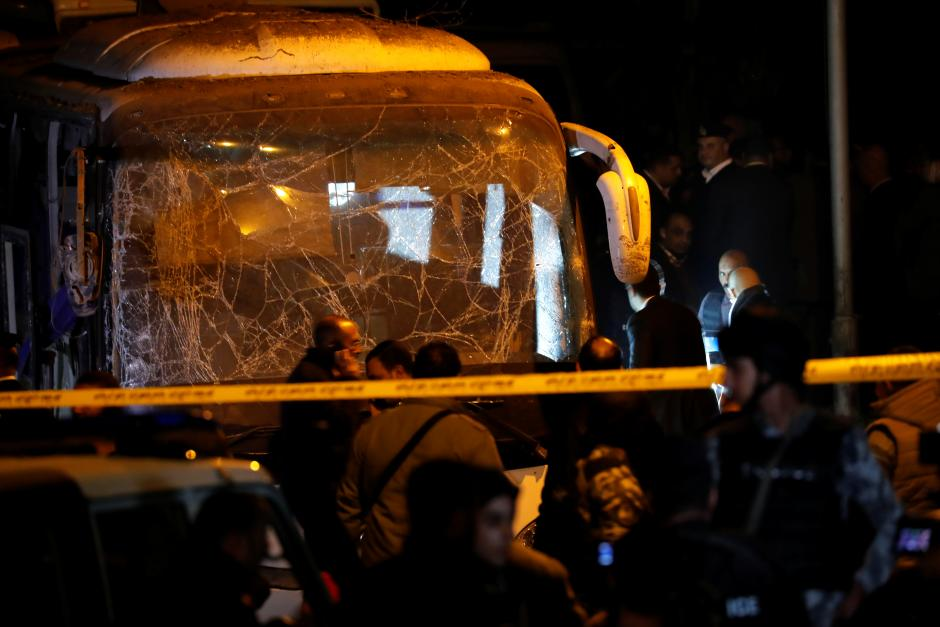 Tourists killed in bus bombing near Egypt's Giza pyramids