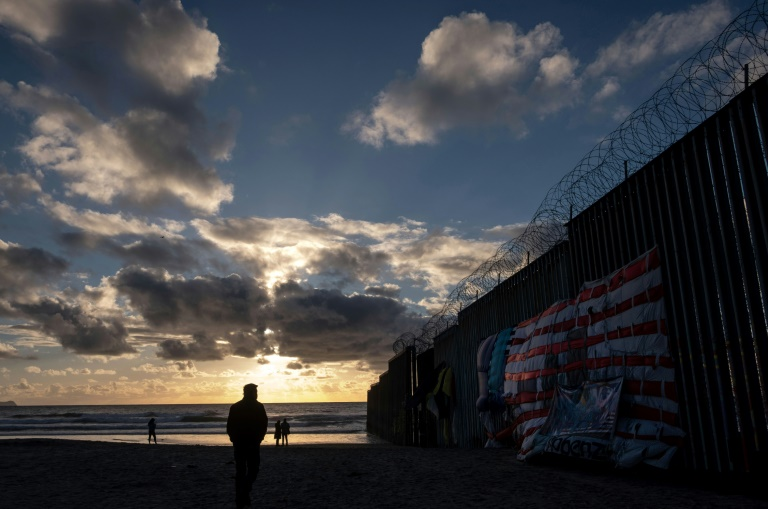 Dems Cry Foul as Pentagon Transfers $1B for Border Wall