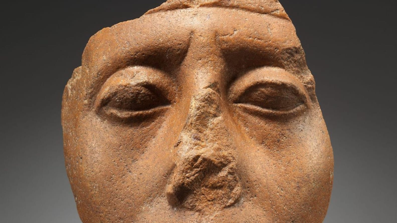 Why do so many Egyptian statues have broken noses?