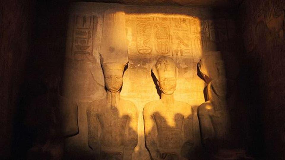 Video: Biannual sun illumination shines on Ramses II statue in Abu Simbel