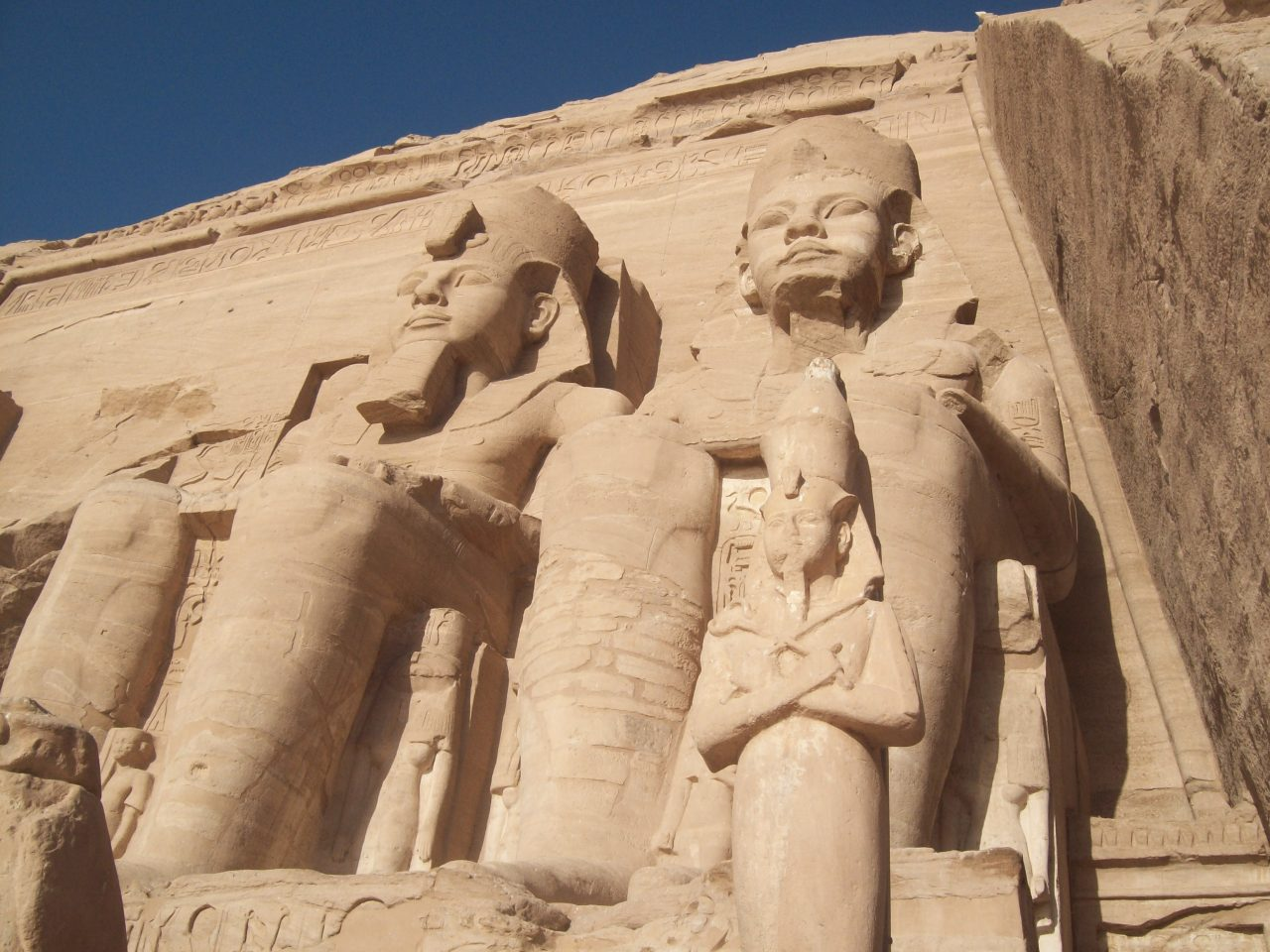 Egypt operates 171 flights, reopens 5 museums and 8 archaeological sites