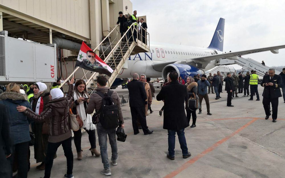 Syria's Aleppo airport resumes flights amid nearby offensive
