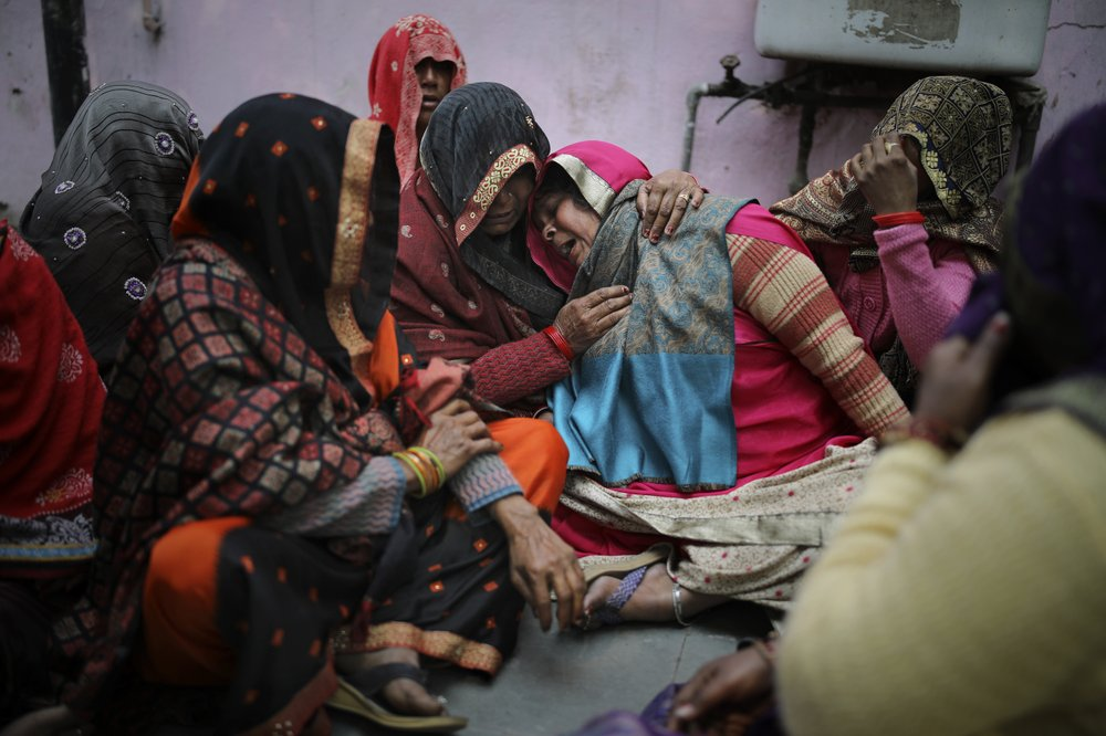Sporadic violence in Delhi as death toll hits 32
