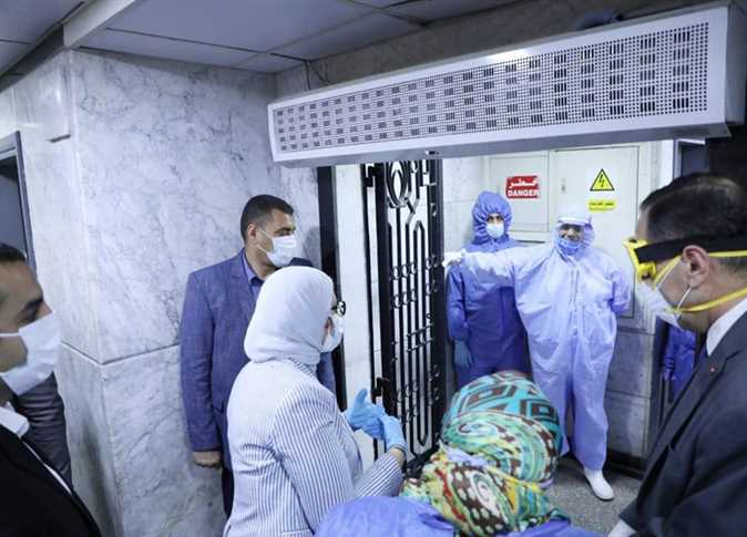 Two Egyptian doctors die of coronavirus, another of severe respiratory failure
