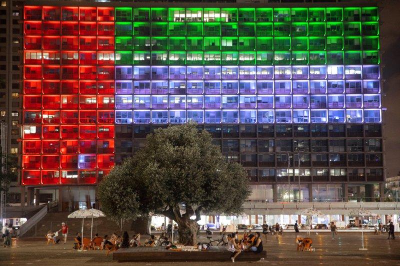 Telephone service begins between UAE and Israel as ties open