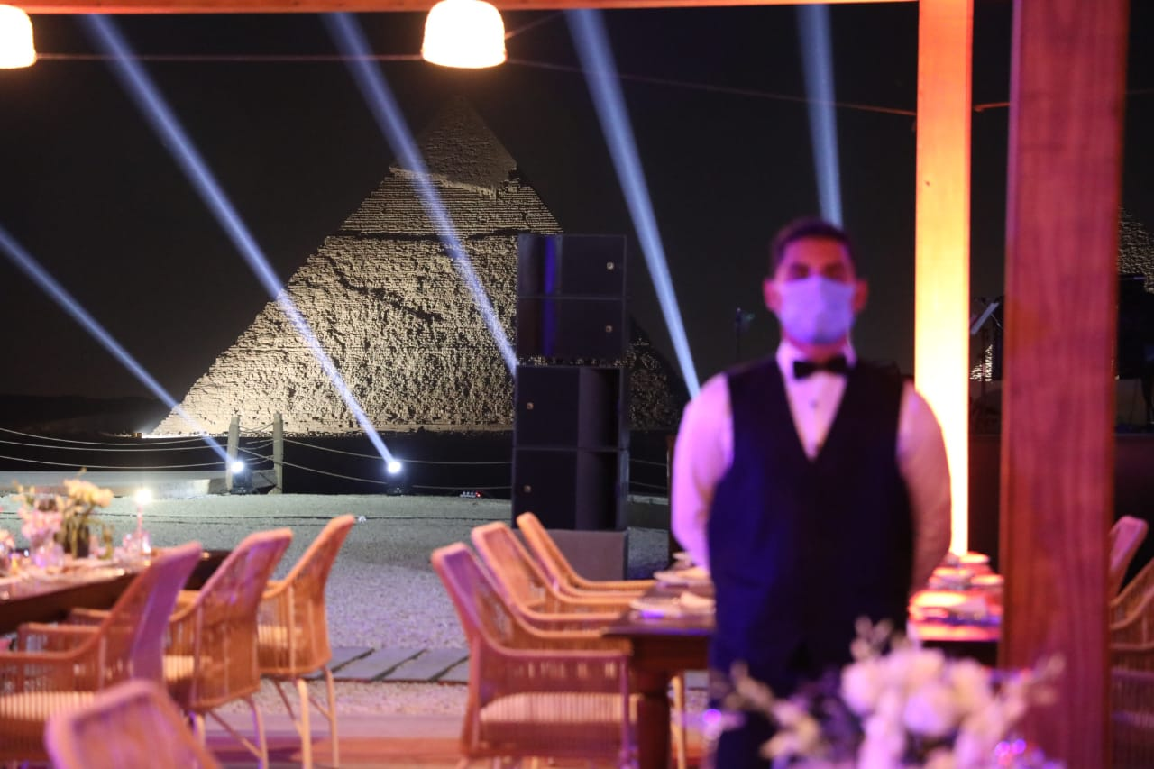 Photos Egypt Inaugurates Its First Restaurant In Giza Pyramids Area Egypt Independent