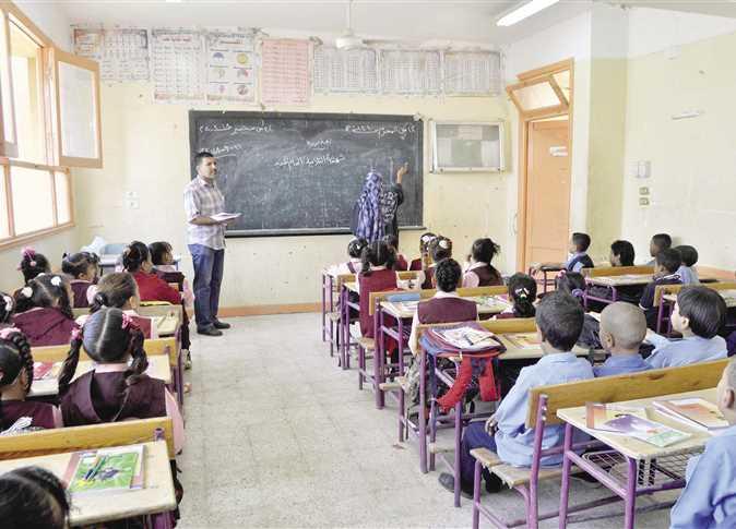 A month into Egypt's new school year, coronavirus kills 7 teachers