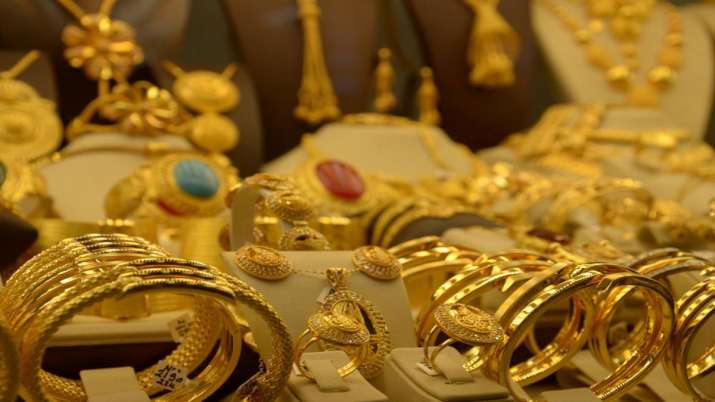Gold prices decline by LE36 per 21-karat gram