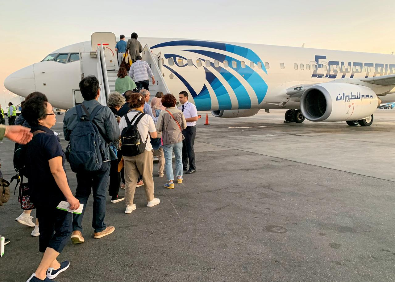 Egyptian gov't cuts fuel prices by LE0.15 for struggling aviation sector
