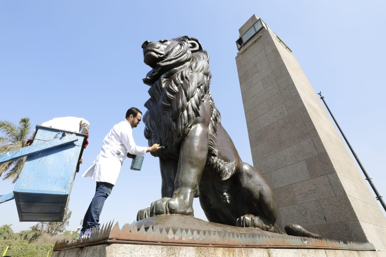 Photos Ministry Of Tourism And Antiquities Launches Initiative To Clean Statues At Egypt S Public Squares Egypt Independent