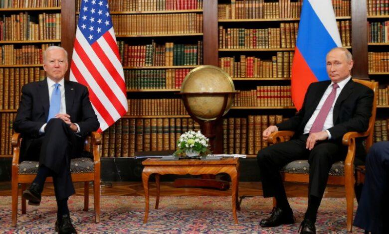 U.S. President Joe Biden and Russia's President Vladimir Putin arrive for the U.S.-Russia summit at Villa La Grange in Geneva, Switzerland June 16, 2021. Saul Loeb/Pool via REUTERS